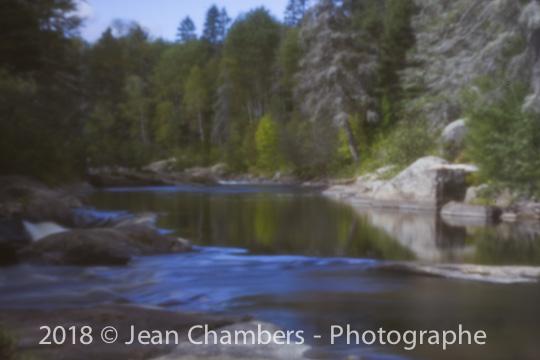 Coule la douce rivière